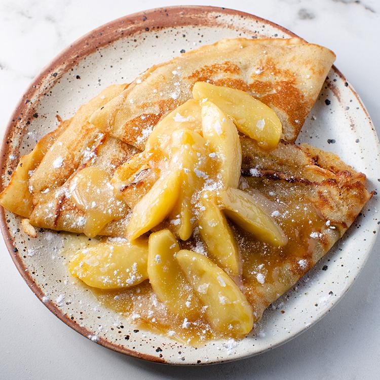 メープル塩キャラメルとりんごのクレープ