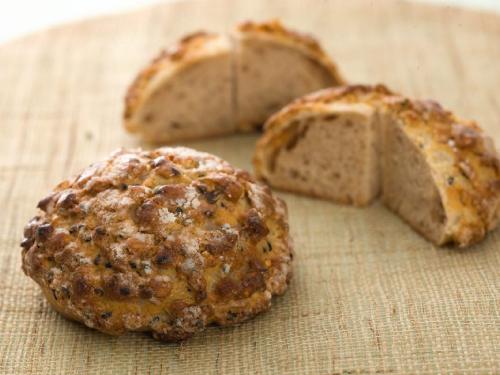 五穀のメープルメロンパン