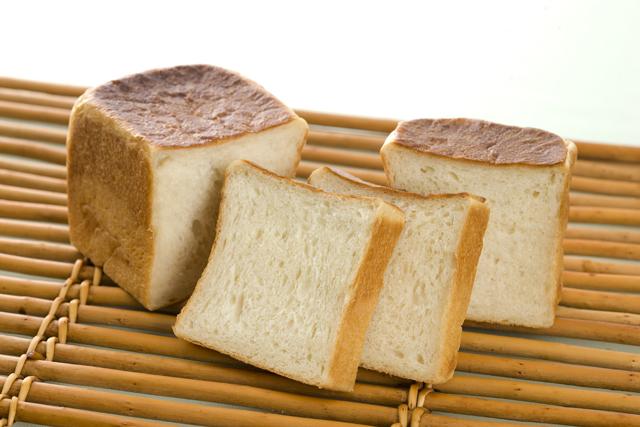 100%以上牛乳メープル食パン