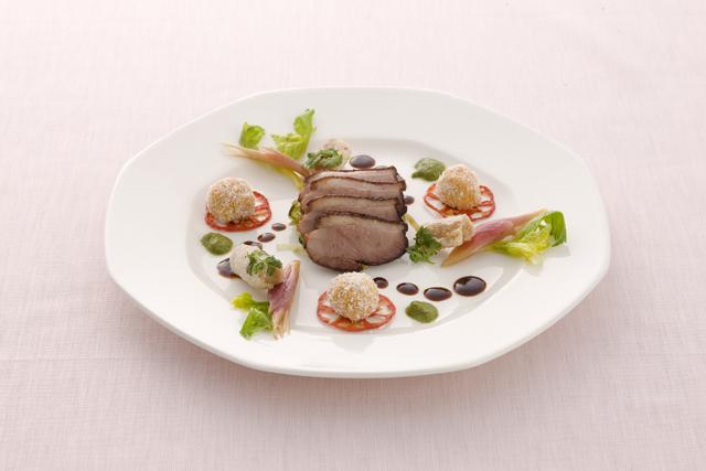 みちのく鴨のスモークといろとりどりの野菜たち ~中国料理とカナダ産メープルのマリアージュ~