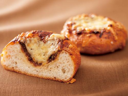 オニオングラタン風メープル惣菜パン