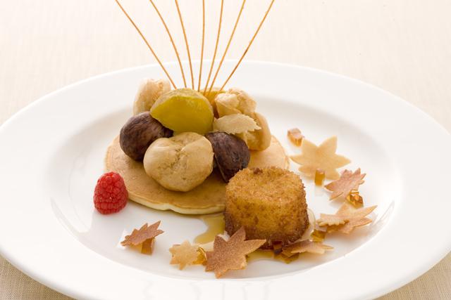 栗とパンケーキのガトー仕立て メープルコロッケ添え 秋のシンフォニー