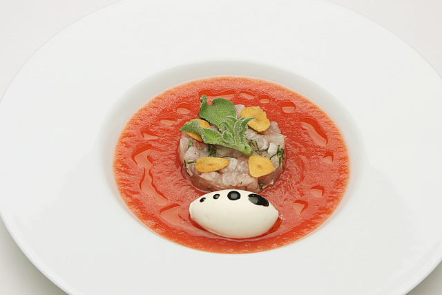 完熟トマトのヴルーテとブリのタルタルメープルクリーム